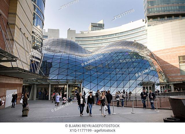 Zlote Tarasy shopping mall  Warsaw Poland