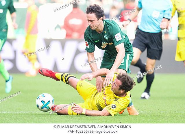Mario GOETZE (un., Gotze, DO) vs. Thomas DELANEY (HB), Action, duels, Football 1. Bundesliga, 32. matchday, Werder Bremen (HB) - Borussia Dortmund (DO) 1: 1