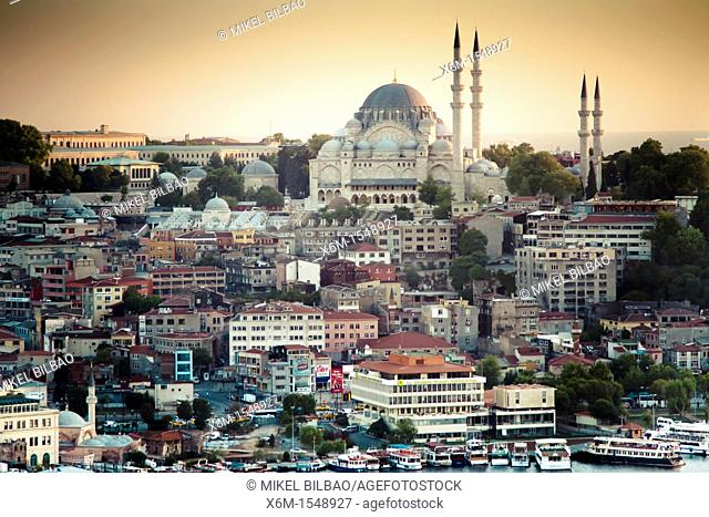 Cityscape with mosque  Süleymaniye Mosque  Istanbul, Turkey