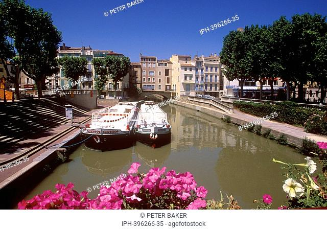 The Canal de la Robine, a branch of Canal du Midi, at Narbonne
