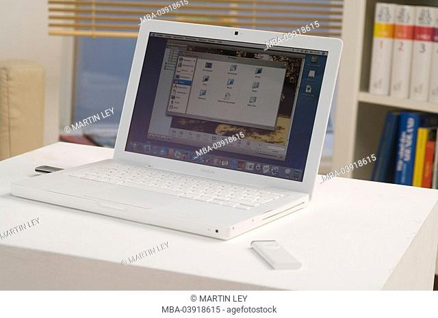 Apple iBook, iPod, no property release, computers, hardware, Notebook, Macbook, mobility, flexibility, portable, mobilephone, modern, screen, pen drive