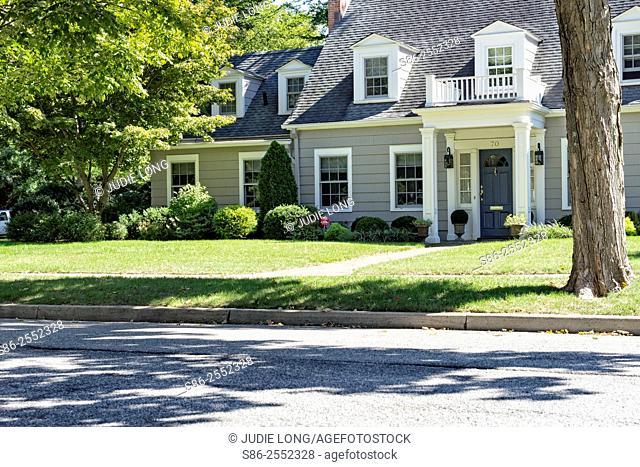 Stately Traditional Suburban Home, Long Island, New York, USA