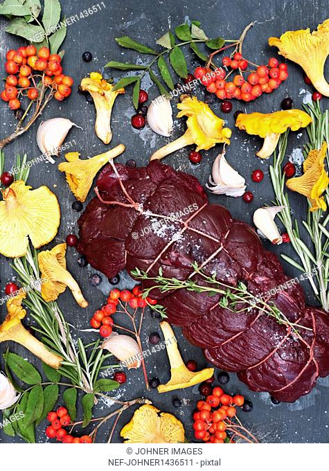 Raw venison with rowanberry and mushroom