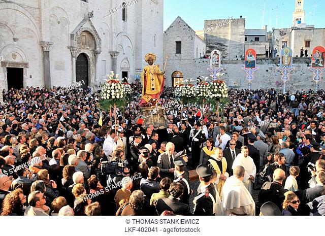 Festa di San Nicola in Bari at the church of Saint Nicola, Festival to honour Saint Nicholas, Bari, Apulia, Italy