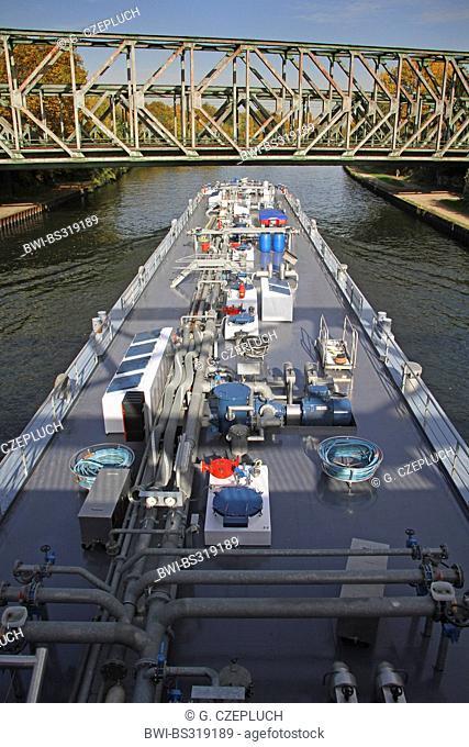 ranker on Rhein-Herne-Kanal, Germany, NRW, Duisburg-Meiderich