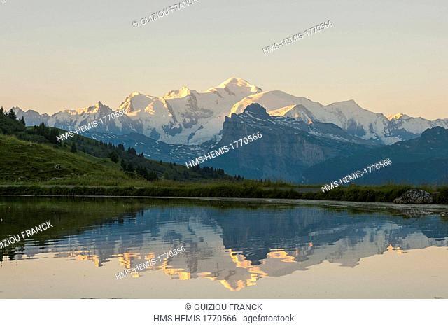France, Haute-Savoie, Haut Giffre massif, view of the Mont Blanc from col de Joux Plane (1691m)