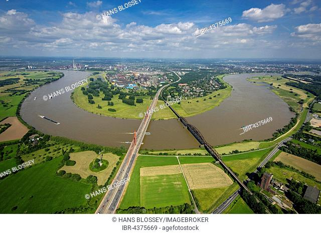 Aerial view, Rheinbogen, cargo ships, Rhine between Duisburg Baerl and Beeckerwerth, Flood, Railway Bridge, A42 motorway bridge, Duisburg, Ruhr district