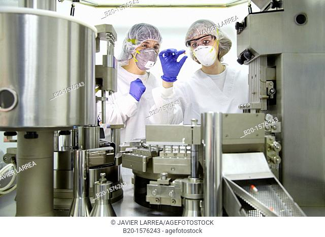 Performing technical controls during an encapsulation process, Encapsulating, Clean room, Pharmaceutical plant, Drug manufacturing plant, Research Center
