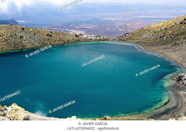 Tongariro national park. Emerald Lakes. Goethermal activity. Deep turquoise lake water