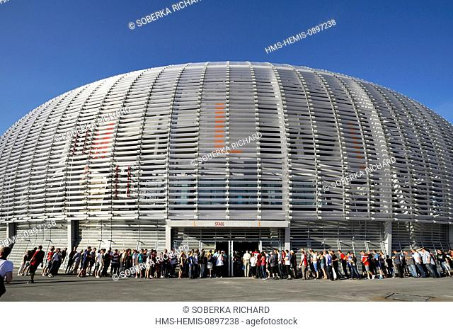 France, Nord, Villeneuve d'Ascq, Grand Stade Lille Metropole designed by architect Pierre Ferret, supporters entering the stadium by the access to the rostrum L