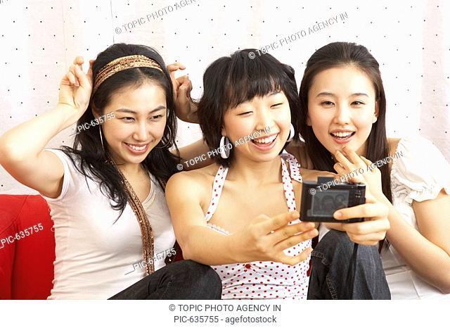 Girls Taking Pictures,Korea