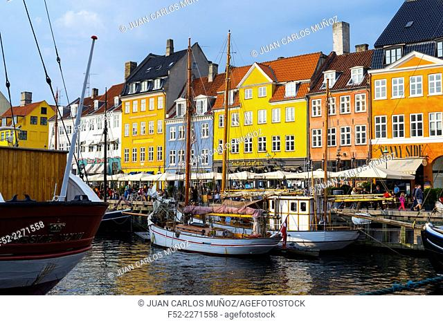 Nyhavn (New Harbour), Copenhagen, Denmark, Europe