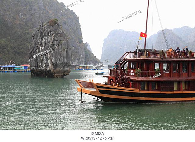Ha Long Bay, Ha Long, Quang Ninh, Vietnam