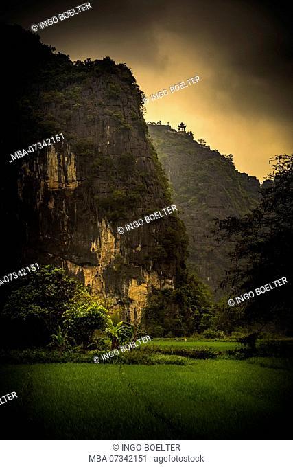 Asia, Vietnam, Ninh Binh province, Halong Bay, dry, dry Halong Bay