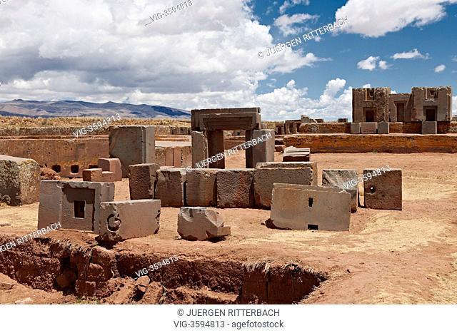 pre-Inca site Tiwanaku, aera Puma Puncu, UNESCO World Heritage Site, La Paz, Bolivia, South America - La Paz, Bolivia, 26/09/2011