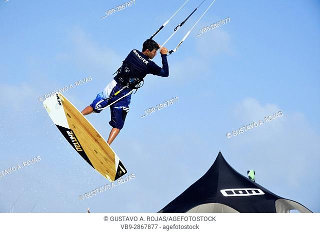 kite surfer mean young, kitesurfing performance los roques venezuela