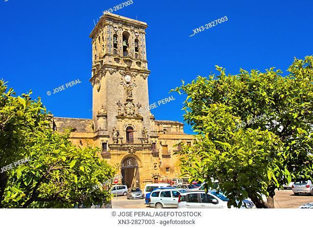 Basilica or Church of Santa María de la Asunción, Plaza del Cabildo, Arcos de La Frontera, White Towns, Pueblos Blancos, Cadiz province, Andalusia, Spain