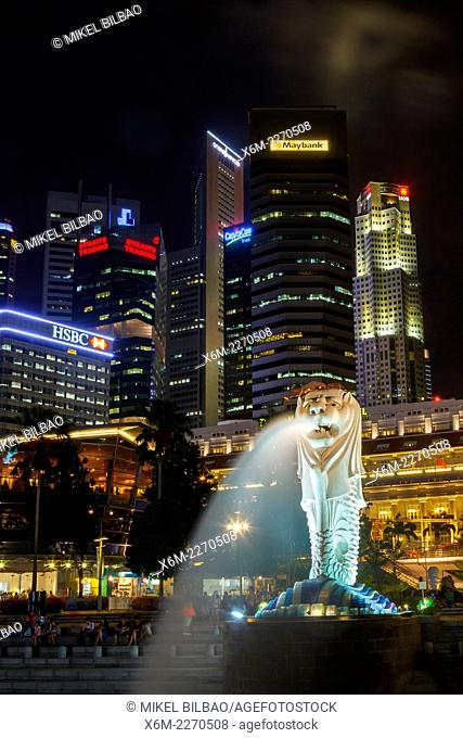 Skyscrapers and Merlion statue. Merlion Park. Singapore, Asia