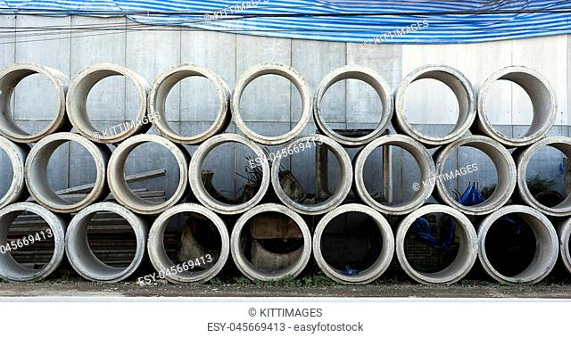Concrete Drainage Pipe outside warehouse