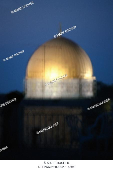 Israel, Jerusalem, Dome of the Rock at night, blurred