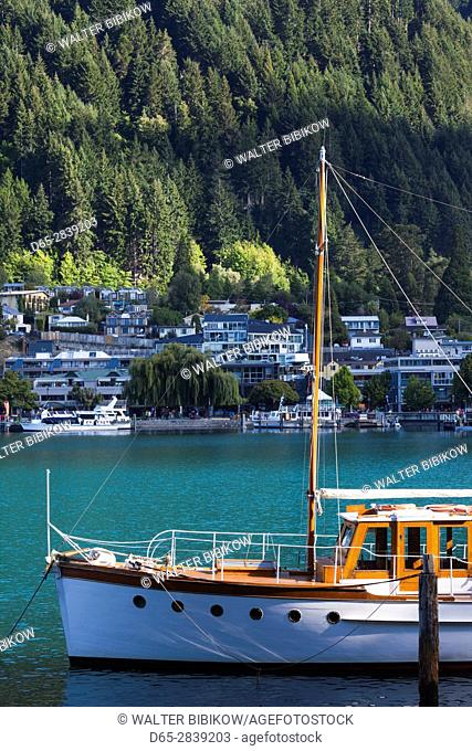 New Zealand, South Island, Otago, Queenstown, harbor view with boats