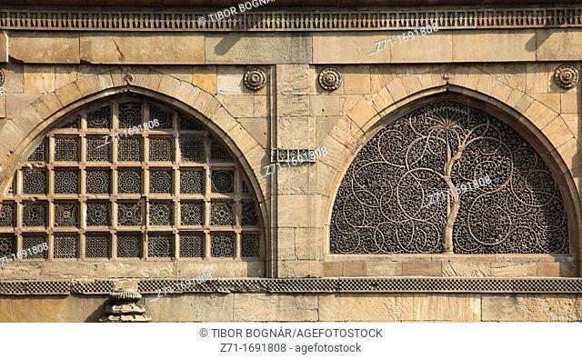 India, Gujarat, Ahmedabad, Sidi Sayad's Mosque, jalis, carved stone windows