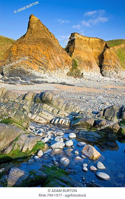 Rockpools and cliffs at Sandymouth, Cornwall, England, United Kingdom, Europe