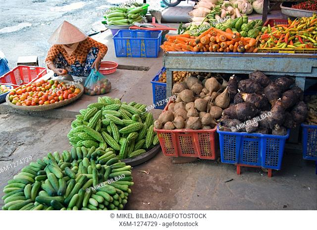 stall and people in a food street market  Can Tho city  Mekong Delta, Vietnam, Asia