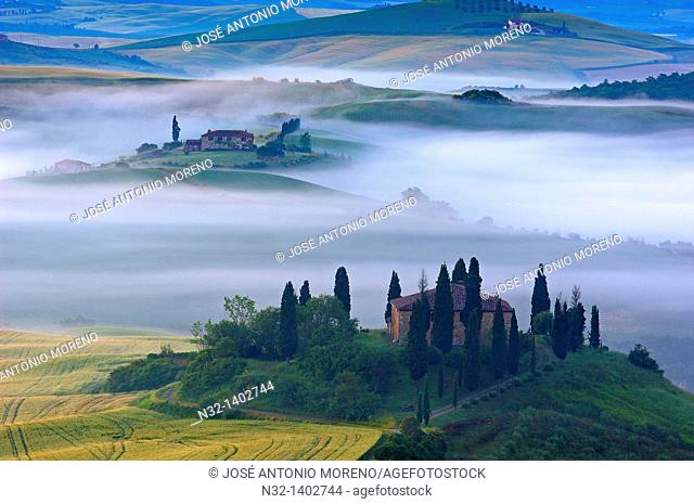 Val d'Orcia  Orcia Valley  Morning fog  The Belvedere at dawn  UNESCO World Heritage Site  San Quirico d'Orcia  Siena Province  Tuscany  Tuscany landscape...
