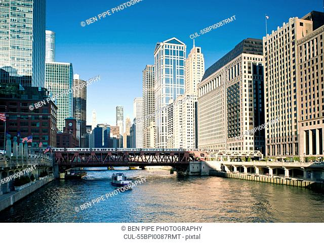 Wells Street Bridge, The Loop, Downtown Chicago, Illinois, USA