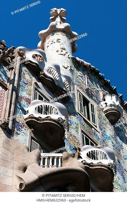 Spain, Catalonia, Barcelona, Eixample District, the Casa Battlo Battlo House by architect Antoni Gaudi at 43 Passeig de Gracia