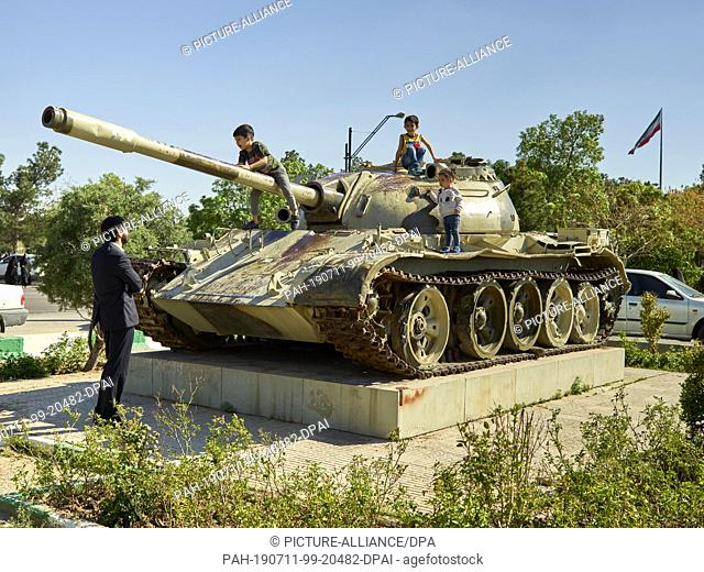 "20 April 2017, Iran, Teheran: A tank monument at the cemetery Behehst-e Zahra (""""Paradise of Zahra"""") near the Khomeini mausoleum in the south of the Iranian..."