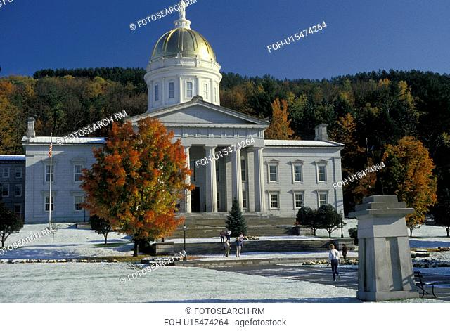 State House, State Capitol, Montpelier, Vermont, First snow in the fall on the grounds of the beautiful granite made State House topped with a golden dome in...