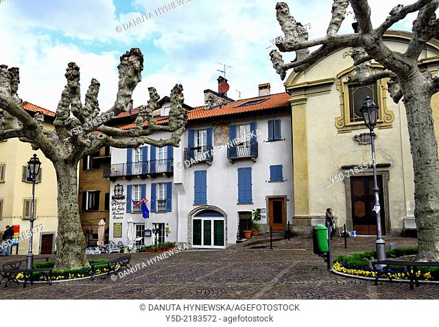 Piazza S. Giorgio, Varenna on Lake Como, Province Lecco, Lombardy, Italy