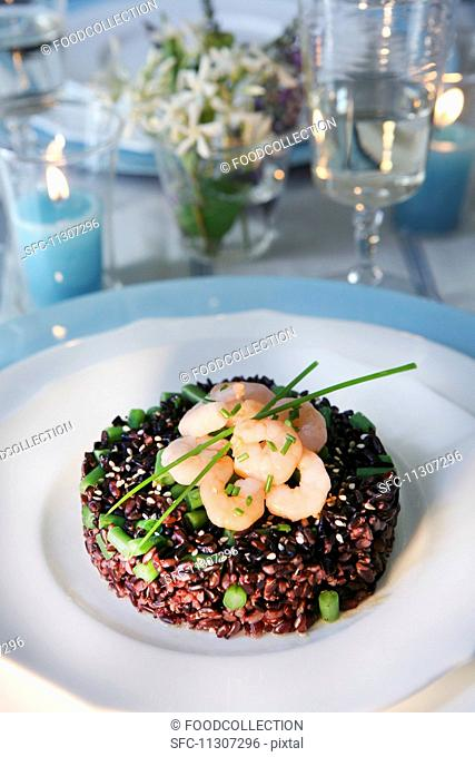 Rice timbale with beans and shrimps