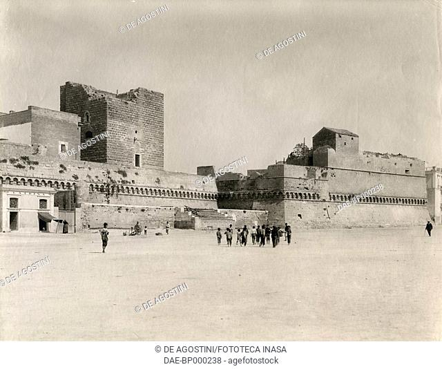 Minorenni Tower and walls, Svevo castle, Bari, Apulia, Italy, photograph from Istituto Italiano d'Arti Grafiche, Bergamo, 1907-1909