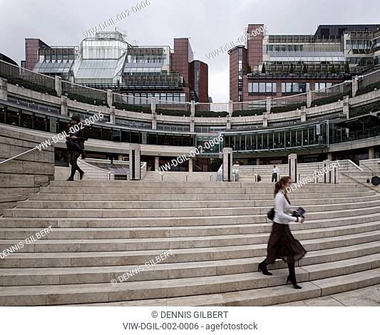 BROADGATE SOM SKIDMORE OWINGS & MERRILL ARUP ASSOCIATES LONDON 1986 BROADGATE CIRCLE RING WITH STAIRCASE,HISTORIC BUILDING, Architect