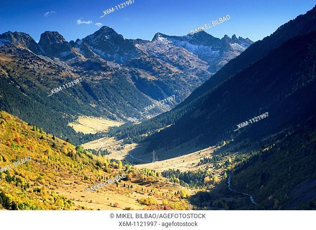 Ruda Valley  Aran Valley  Pyrenees mountain range  Lerida province  Catalonia, Spain, Europe