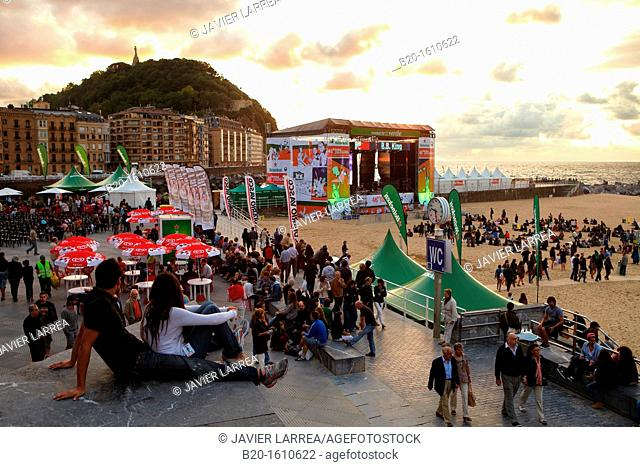 Terraces on the beach of La Zurriola, Jazz Festival, Donostia, San Sebastian, Gipuzkoa, Basque Country, Spain