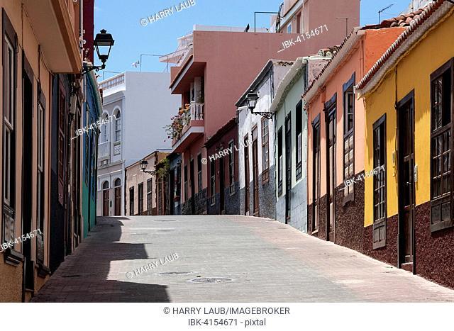 Street with colorful houses, Tazacorte, La Palma, Canary Islands, Spain