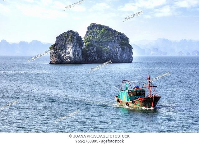 fisher boat in Halong Bay, Vietnam, Indochina, Asia