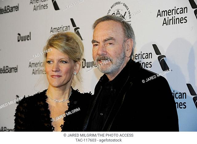 Musician Neil Diamond and Katie McNeil (l) attend Hollywood Gala celebrating Capitol Records 75th Anniversary on November 15, 2016 in Hollywood, California