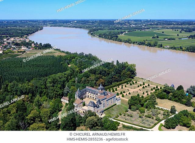 France, Gironde, the castle of Vayres and the Dordogne river (aerial view)