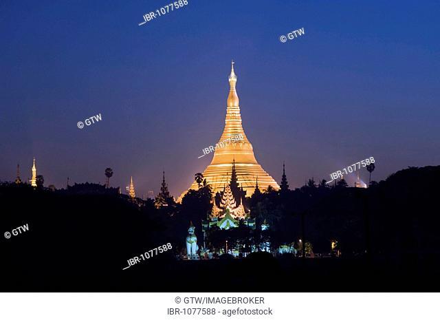 Golden stupa before sunrise, Shwedagon Pagoda, Yangon, Myanmar, Burma, Southeast Asia