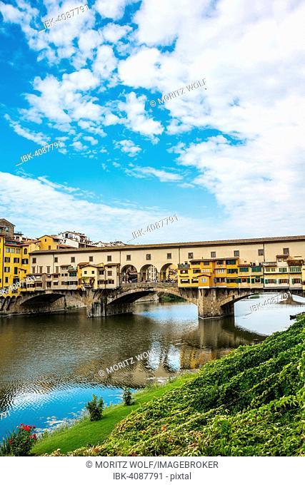 Ponte Vecchio, Arno River, Florence, Tuscany, Italy
