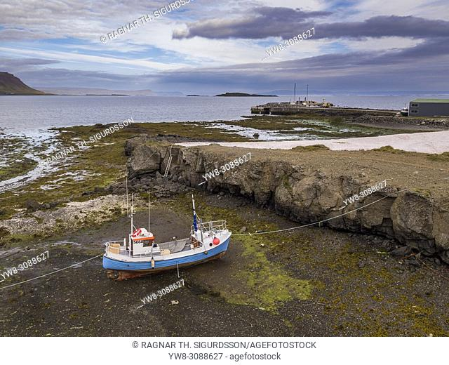 Old Fishing Boat, Bardastrond beach, Brjanslaekur, West Fjords, Iceland