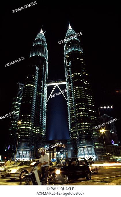 Twin Petronas Towers at night