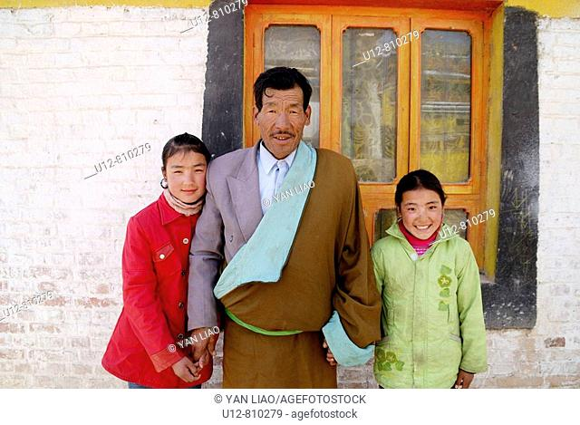 Tibetan father and daugter