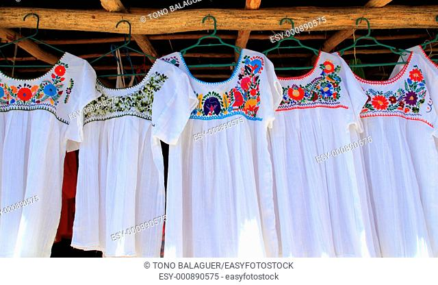 chiapas mayan white dress embroided with flowers