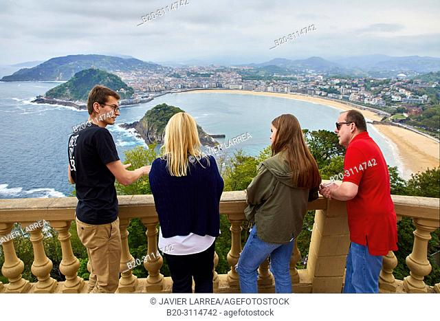 Tour guide with group, Tour along the coast of the Basque Country, Monte Igeldo, Donostia, San Sebastian, Gipuzkoa, Basque Country, Spain, Europe